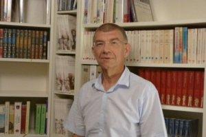 Éric Dumont, qui signe aussi sous le nom de Paul Fauray