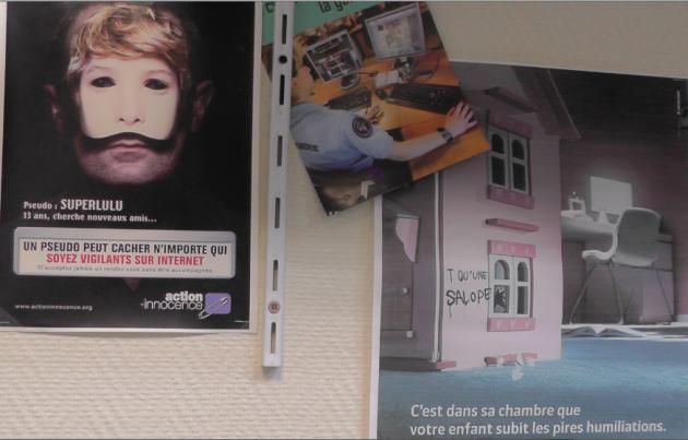 Sur les murs de la gendarmerie du Pas-de-Calais, dans les bureaux des gendarmes affectés à la cybercriminalité. Le crime le plus fréquent, dans leurs enquêtes : la pédophilie.