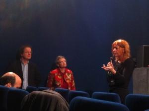 Le journaliste Hervé Kempf, la militant Isabelle Levy et la réalisatrice Doris Buttignol, au cinéma le Reflet Médicis à Paris.
