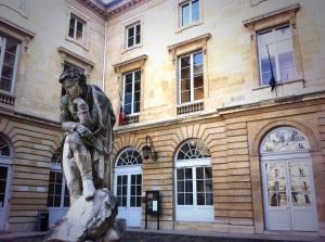 Antoine Compagnon occupe depuis 2006 au Collège de France, la chaire «Littérature française moderne et contemporaine : histoire, critique, théorie ».