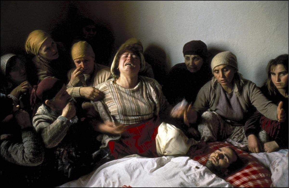 Veillée funèbre au Kosovo, de Georges Mérillon