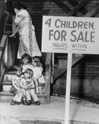4 enfants à vendre, Chicago, Illinois © Bettmann/CORBIS -4 enfants à vendre, Chicago, Illinois © Bettmann/CORBIS -