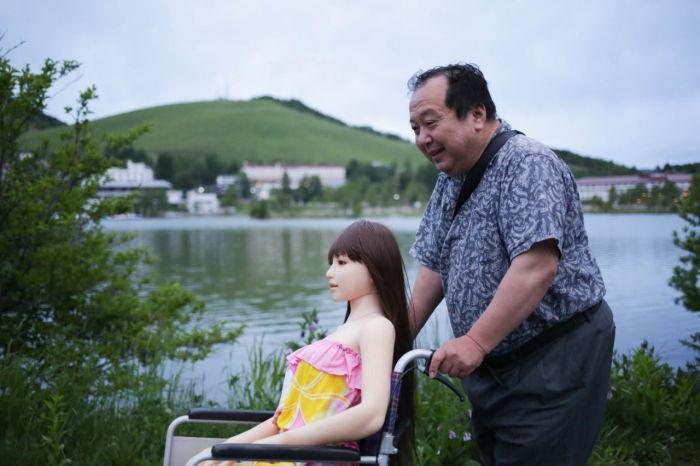Senji Nakajima, 61 ans, a trouvé la femme parfaite : elle s'appelle 'Saori', et c'est une love doll japonaise. Photo : Taro Karibe/Getty Images