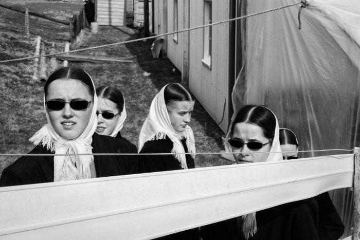 """""""Elles me rappellent les cinq filles décédées. Elles devaient avoir à peu près leur âge.""""Bart, Pa. Hiver 2016. Photo : Zachary Roberts"""