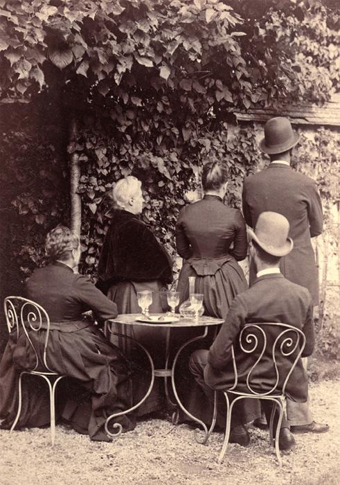 Photographe anonyme  France, vers 1890  13x10cm / Galerie Lumière des roses