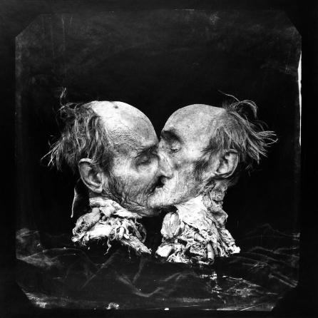 Le Baiser (The Kiss), 1982 de Joel-Peter Witkins.