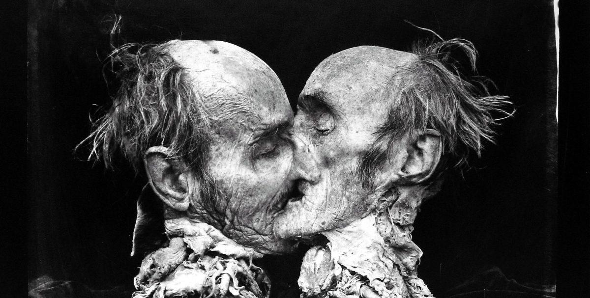 Le baiser au formol de Joel-Peter Witkin