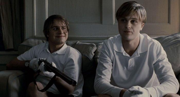 Brady Corbet et Michael Pitt, dans Funny Games, de Michael Haneke, 2007.